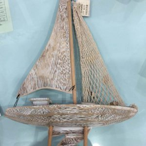 کشتی بادبان دار چوبی متوسط