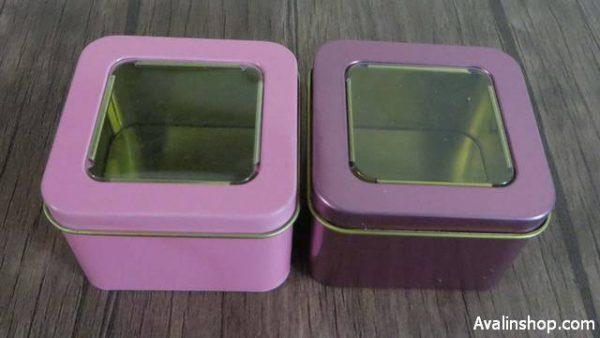 جعبه فلزی کادویی مربع در شیشه ای